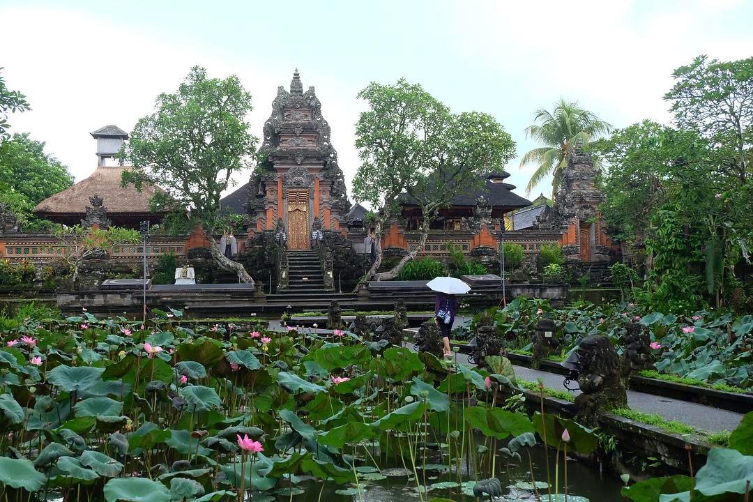 Pura Saraswati Ubud Bali